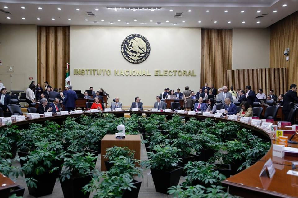 INE canceló registro a 11 independientes en SLP