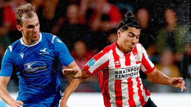 El PSV de los mexicanos avanza al playoff final de la Europa League